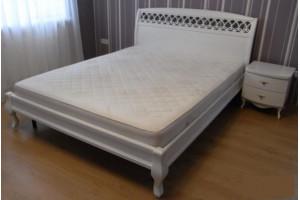Деревянная кровать Парус резной